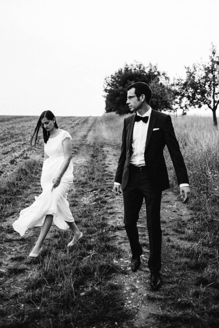 Hochzeitsfotograf Freiburg Bruno Biermann Braut und Bräutigam im Wind Slideshow Main