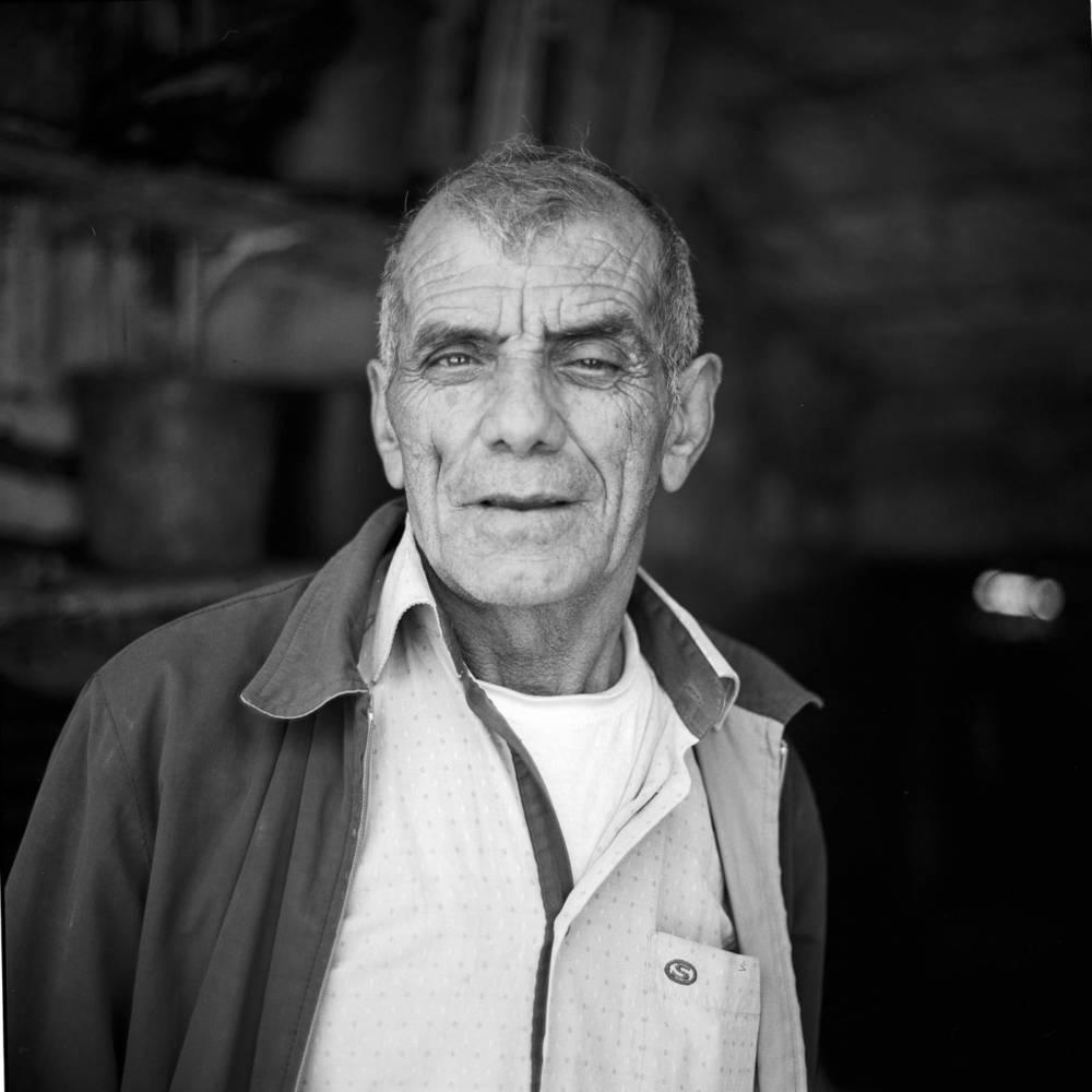 Analoges Porträt mit Rolleiflex 2.8 in Ramallah Palästina, auf Reisen als Fotograf aus Basel